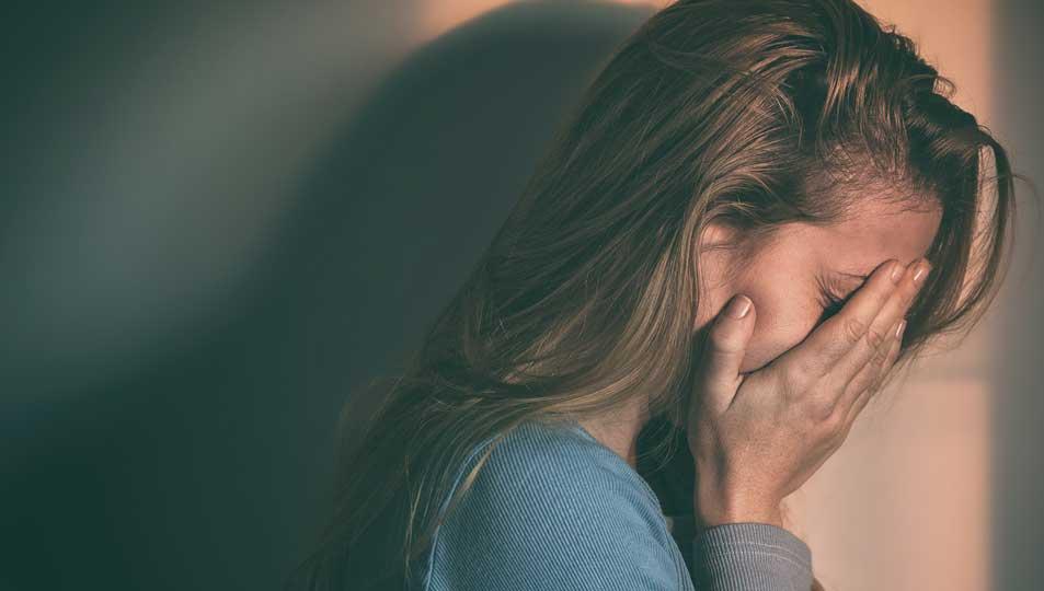 افسردگی از علائم ام اس در زنان